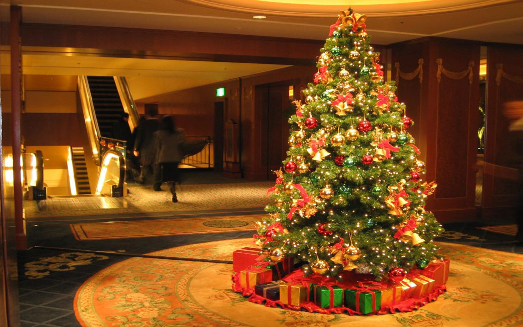 Новогодняя елка на рабочий стол обои
