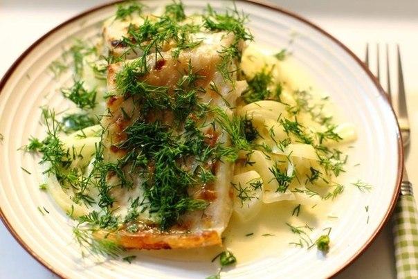 Рыба в сметане в год Петуха 2017: рецепт, фото