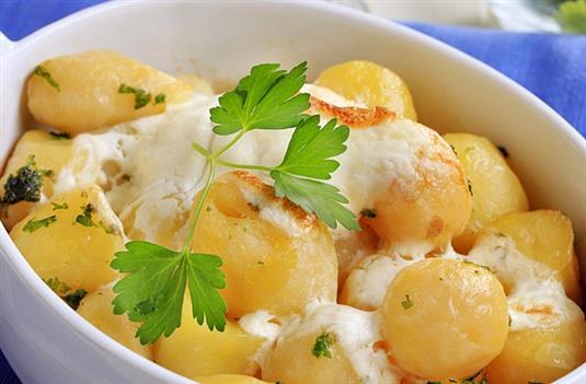 Картофель с сыром и сметаной на Новый год