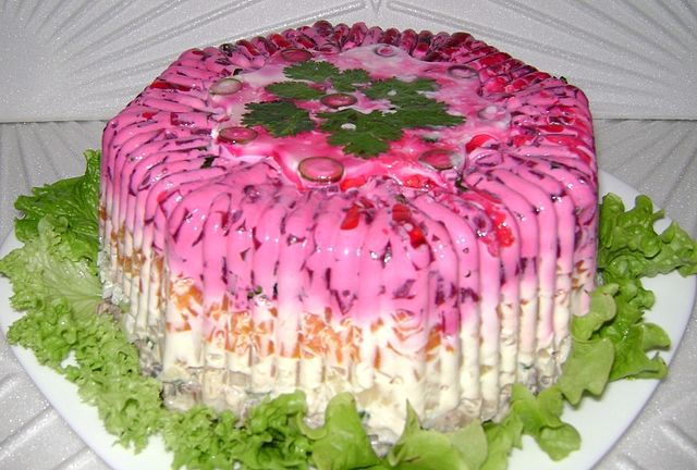Рецепт салата: Селёдка под шубой в желе