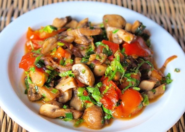Вкусный грибной салат на Новый год 2017